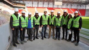 TSYD İzmir Şubesi, Göztepenin yeni stadını gezdi
