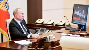 Putinin hâlâ Windows XP işletim sistemli bilgisayar kullandığı ortaya çıktı