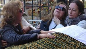 Kayıp dağcılar ölü bulunmuştu Cenazede yürek yakan an...