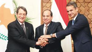 Libya'nın onayı üçlüyü panikletti