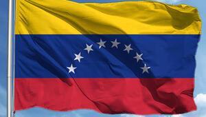 Venezuelada uçak düştü: 9 ölü