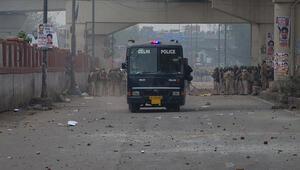 Hindistanda vatandaşlık yasası karşıtı gösterilerde ölü sayısı 17 oldu
