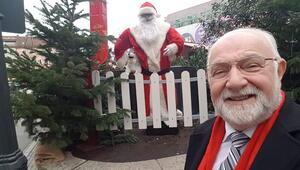 Noel Baba oldu, çocukları sevindirdi