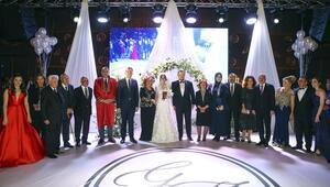Ünlü tenor evlendi