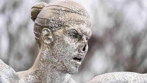 Ibrahimovicin heykeline bir saldırı daha