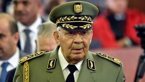 Cezayir Genelkurmay Başkanı Salih hayatını kaybetti