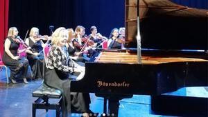 Tekirdağda Gülsin Onay Piyano Günleri başladı