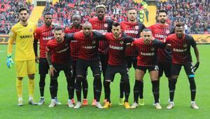 Gaziantep FK, Gaziantepspor'u geride bıraktı