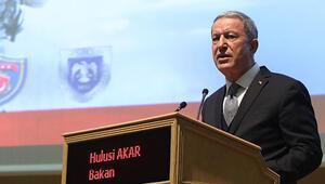 Bakan Akar: Mehmetçik gece - gündüz takip ediyor