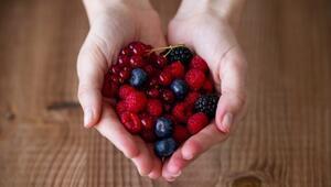 Kırmızı Meyveler Bu Hastalıktan Koruyor