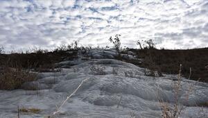 Doğuda soğuk hava çay ve şelaleleri dondurdu