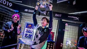 Red Bull Kumite'de şampiyon Fujimura