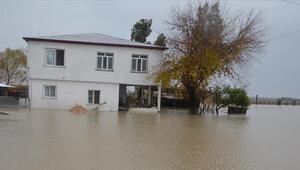 Bakanlıktan Adanada selden etkilenenlere destek