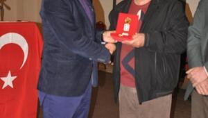 Ödemişte Kıbrıs gazilerine madalya ve beratları dağıtıldı