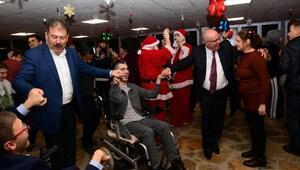 Engelli çocuklar yılbaşını erken kutladı
