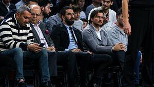 Arda Turan, Anadolu Efes-Maccabi Tel Aviv maçını izledi