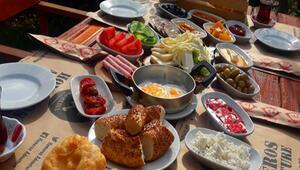 Bornova'da maceranın ve lezzetin adresi aynı