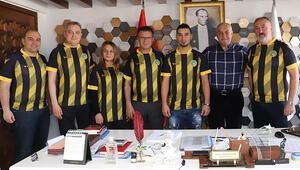 Fenerbahçenin eski futbolcusu Gökhan Emreciksin, Alaşehir Belediyesporda