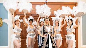 Değişen kına gecesi kültürü...Kleopatra temalıdan Rio Karnavalı'na...