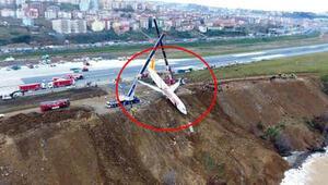 Trabzon'da pistten çıkan uçak başlarına dert oldu