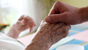 Yabancı hasta bakıcı sayısı arttı, ama yetmez