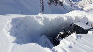Kar kalınlığı iş makinesinin boyunu aştı