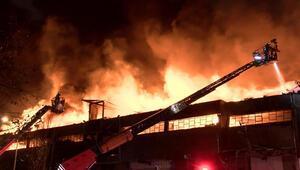 Zeytinburnunda dokuma fabrikasındaki yangın kontrol altına alındı