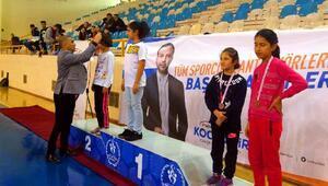 5 Ocak Badminton Kurtuluş Turnuvası tamamlandı