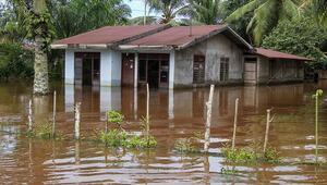 Endonezyada sel felaketi: 2 kişi hayatını kaybetti