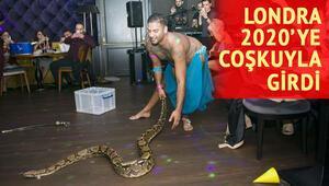 Londralı Türkler yeni yıla piton yılanı gösterisiyle girdi
