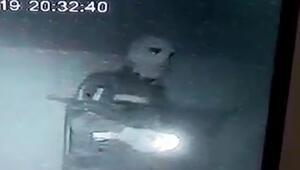 Maskeli hırsızlar güvenlik kamerasında
