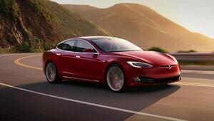 Tesla, Çinde ürettiği ilk otomobilleri teslim etti