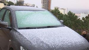 Aydos Ormanına lapa lapa kar yağdı