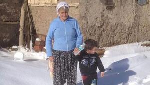 Sobadan sızan gazdan zehirlenen kadın öldü, yeğeni komada