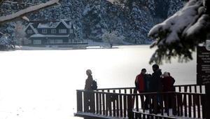 Doğa harikası Gölcük buz tuttu
