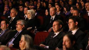 Cumhurbaşkanı Erdoğan, Leyla ile Mecnun tiyatro oyununu izledi