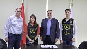 Şampiyon cimnastikçi Ayşe Begüm Akhisar Belediyesporda