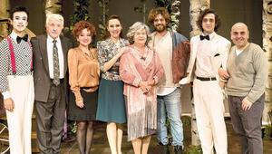 Nevra Serezli 11 yıl sonra tiyatro sahnesinde