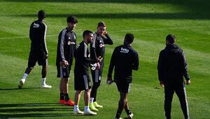 Beşiktaşta Caner Erkin ve Atiba endişesi