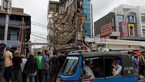 Endonezyada 4 katlı bina çöktü