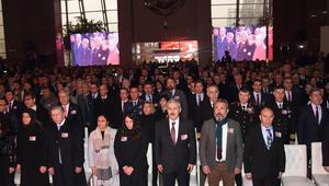 Şehit polis Fethi Sekin ve mübaşir Musa Can, İzmir Adliyesinde anıldı