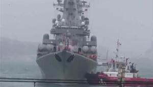 Son dakika... Rus savaş gemisi Boğazda sürüklendi