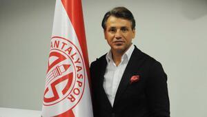 Antalyaspor üç futbolcuyla yollarını ayırdı