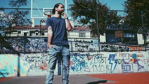 Müzik için Ankara'da kaldı