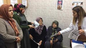 Kanser konusunda hasta ve hasta yakınlarına broşür dağıtıldı