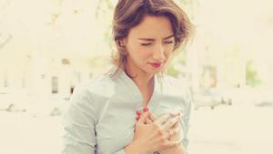 Kalp krizi kadınlarda farklı belirtiler gösteriyor