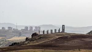 Kapadokyada şaşırtan dev heykeller Uzaydan da görüldüğü iddia ediliyor...