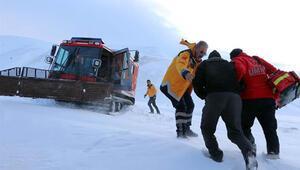 Erzurum 112 Acil ekipleri, zor şartlarda hastalara ulaşıyor