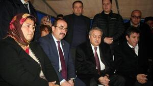 Bakan yardımcısı Özkaldı, selde ölen Öngelin ailesine taziye ziyaretinde bulundu