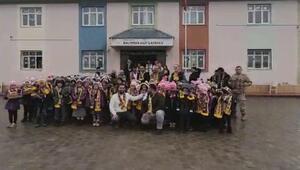 Eyüpspor Taraftar Derneğinden Şırnaktaki öğrenciler için yardım kampanyası